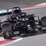 Hamilton Tabrak Mekanik hingga Terpental Jelang F1 GP Rusia